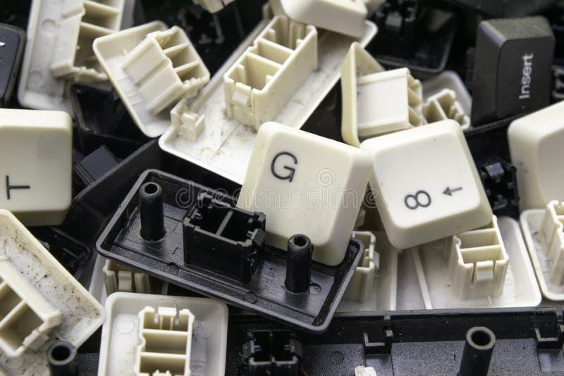 Willekeurige geassorteerde sleutels van oude computertoetsenborden royalty-vrije stock foto