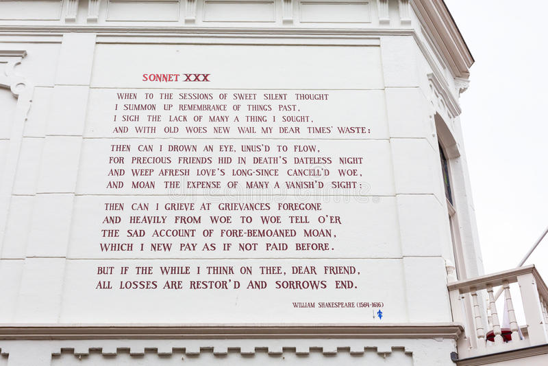 William Shakespeare sonett på väggen av huset i Leiden, Holland royaltyfria bilder