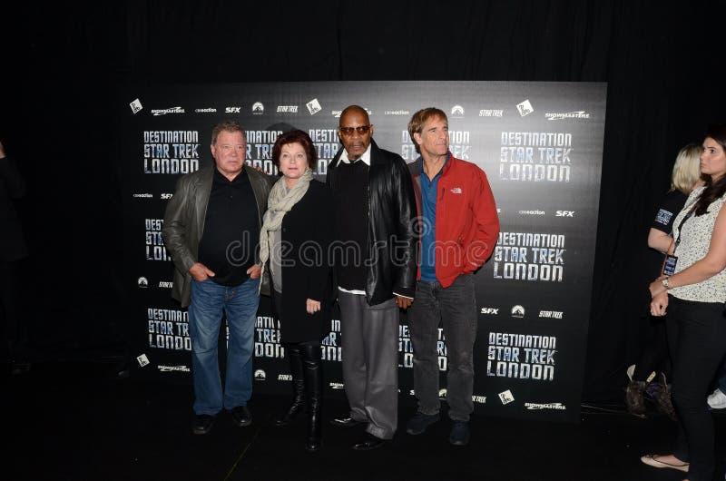 William Shatner Y Kate Mulgrew Y Avery Brooks Y Scott Bak Fotografía editorial