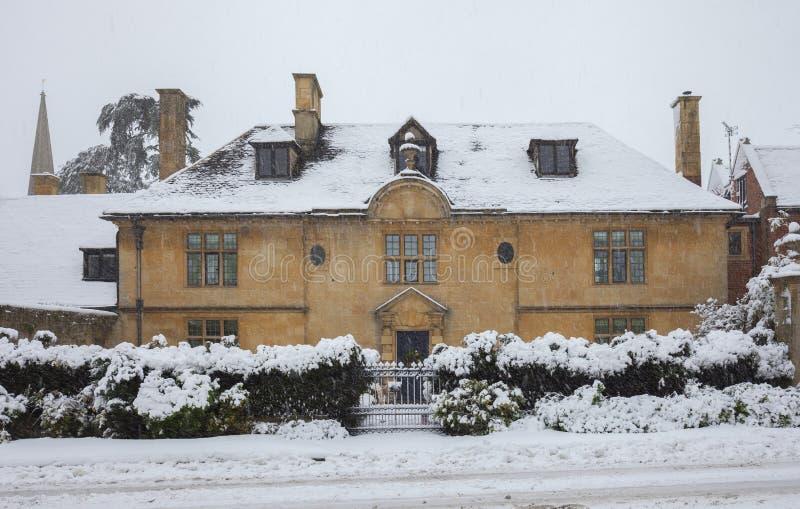 William- und Mary-Zeitraum Cotswold-Haus stockbilder