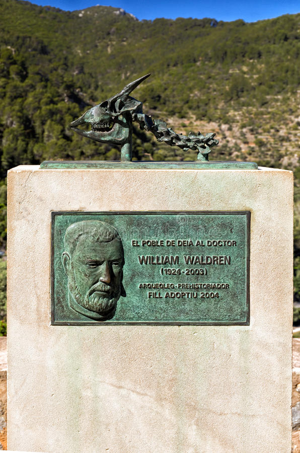 William Waldren Memorial, Deia, Mallorca fotos de archivo