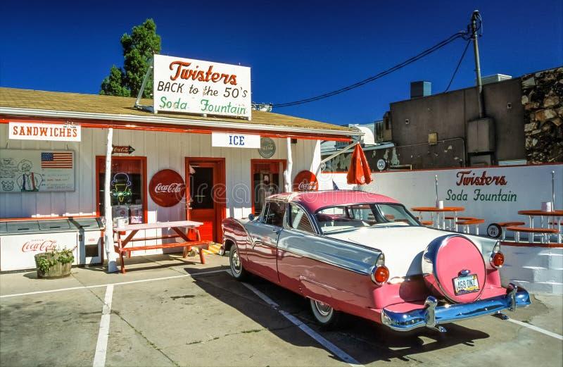 Williams, Arizona, Route 66, voiture d'ancien image libre de droits