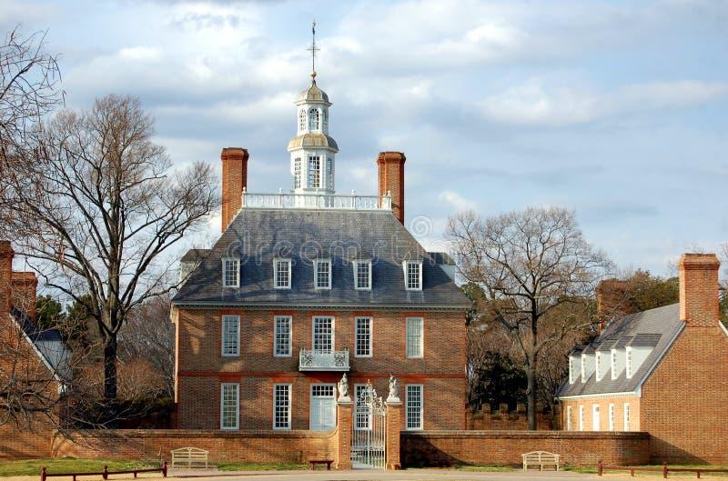 Williamsburg, VA: Palacio del gobernador foto de archivo
