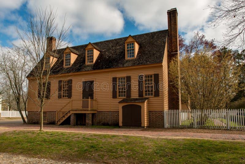 Williamsburg, Virgínia - 26 de março de 2018: Casas e construções históricas em Williamsburg Virgínia fotos de stock