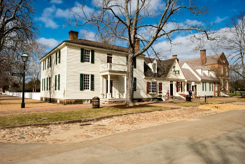 Williamsburg, Virgínia - 26 de março de 2018: Casas e construções históricas em Williamsburg Virgínia fotos de stock royalty free
