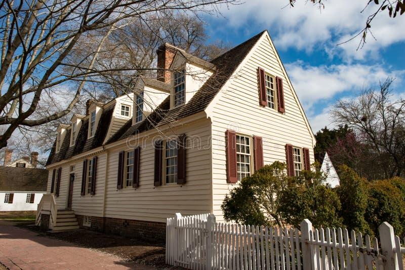 Williamsburg, Virginia - Maart 26, 2018: Historische huizen en gebouwen in Williamsburg Virginia stock foto's
