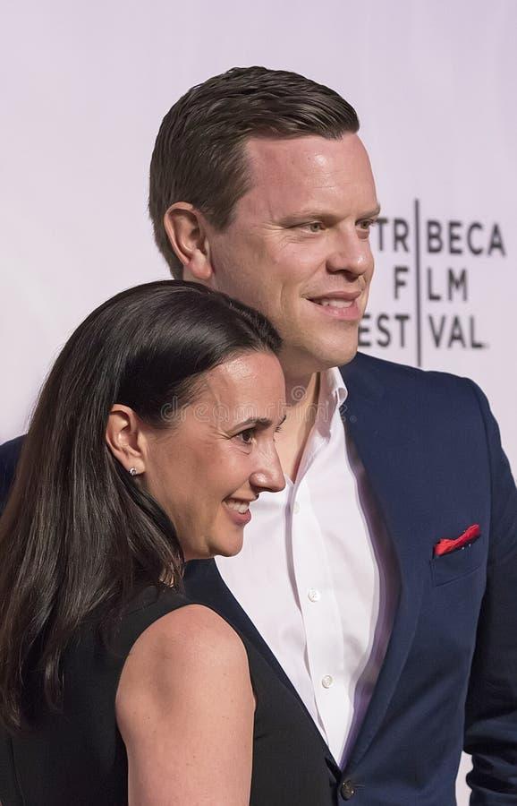 Willie Geist y Christina Geist en la investigación 2017 del festival de cine de Tribeca del ` irrompible de Kimmy Schmidt del ` imágenes de archivo libres de regalías