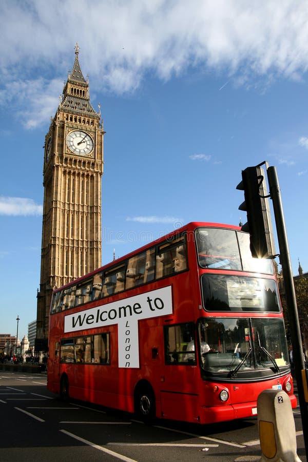 Willkommen nach London, Bus u. bigben lizenzfreie stockfotografie