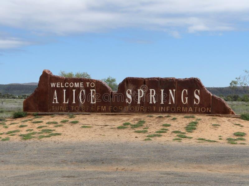 Willkommen zu Alice Springs lizenzfreie stockbilder