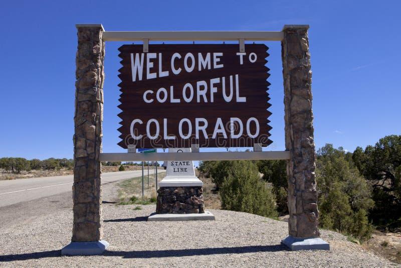 Willkommen zum Colorado-Verkehrsschild stockfotos