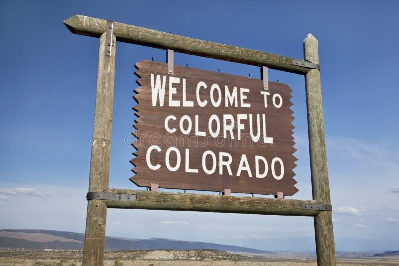 Willkommen zum Kolorado-Straßenrandzeichen lizenzfreies stockbild