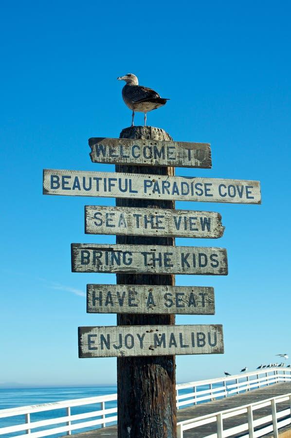 Willkommen zum Malibu Zeichen lizenzfreie stockbilder