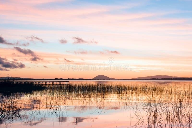 Willow Lake, il più grande corpo dell'acqua nel Maldonado, Uruguay immagine stock libera da diritti