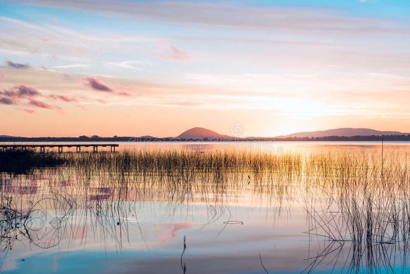 Willow Lake, il più grande corpo dell'acqua nel Maldonado, Uruguay fotografie stock