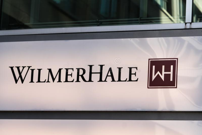 Wilmer Hale advokatbyråskylt i Berlin arkivfoto