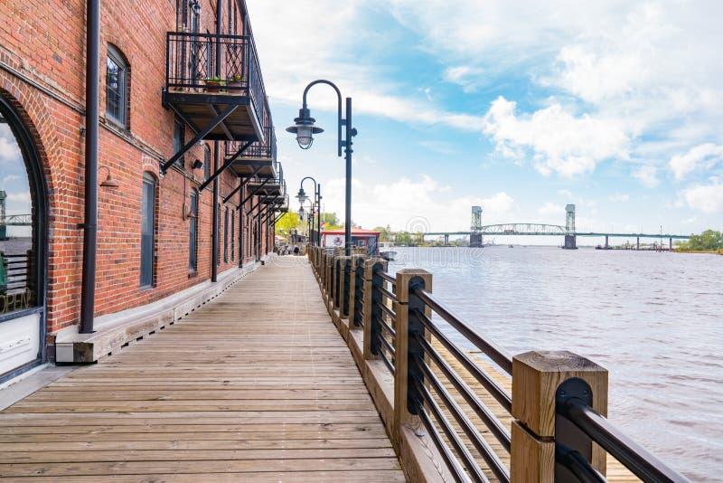 Wilmington, Carolina Riverwalk norte imagens de stock