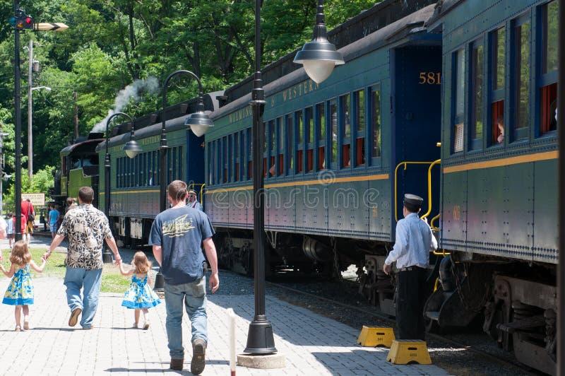 WILMINGTON, DE 15 JUNI: Wilmington en Westelijke de spoorweg zijn een lijn van de erfenistrein voor bezoekers die op toeristisch  stock afbeeldingen