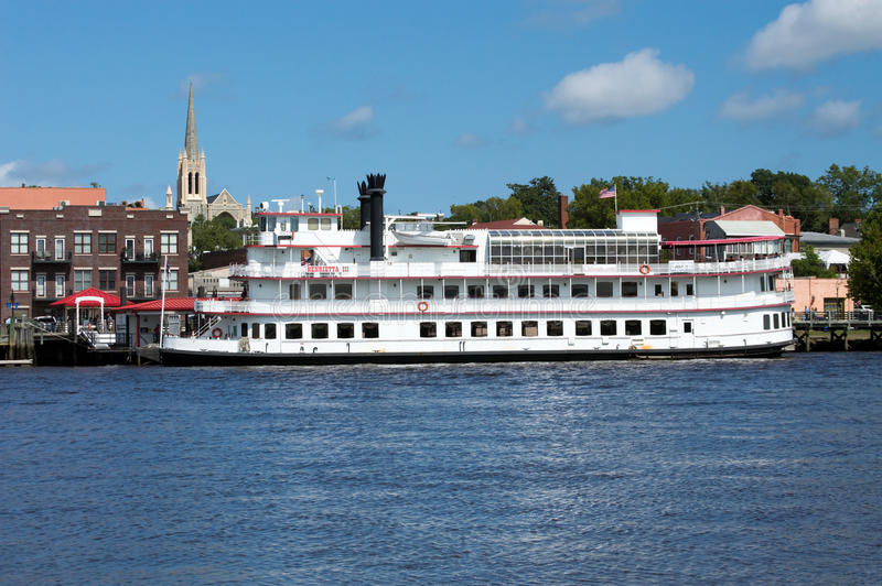 Wilmington, NC de V.S. 17,2014 Juli Henrietta III Riverboat stock afbeelding