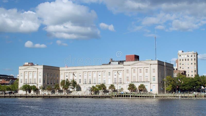 Wilmington, van NC de V.S. 24,2014 Augustus: Alton Lennon Federal Building royalty-vrije stock afbeelding