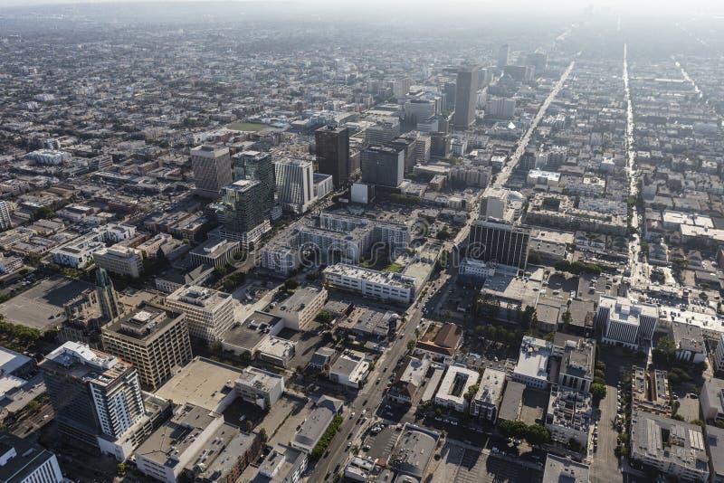 Wilshire-Boulevard-Los Angeles-Sommer-Smog stockbild