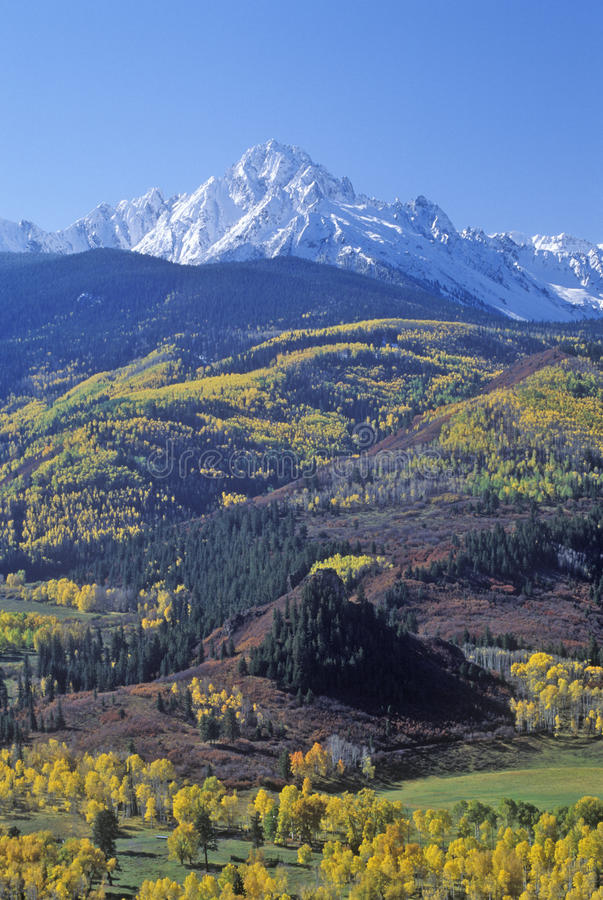 Wilson Peak dans la chaîne de montagne de Sneffels, Dallas Divide, dernière route de ranch du dollar, le Colorado images libres de droits
