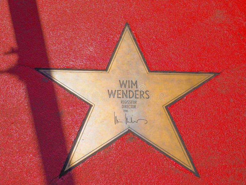 Wim Wenders-de ster op de Boulevard der speelt (de Gang van Bekendheid) I mee royalty-vrije stock afbeelding