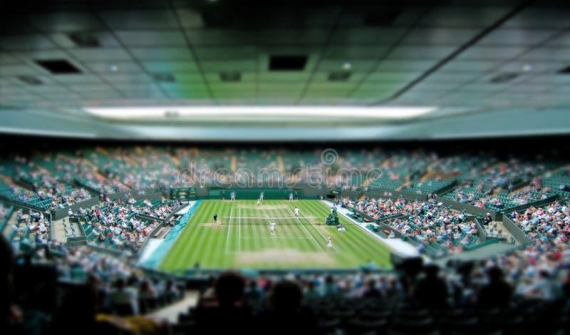 Wimbledon网球中心法院掀动转移 免版税库存照片