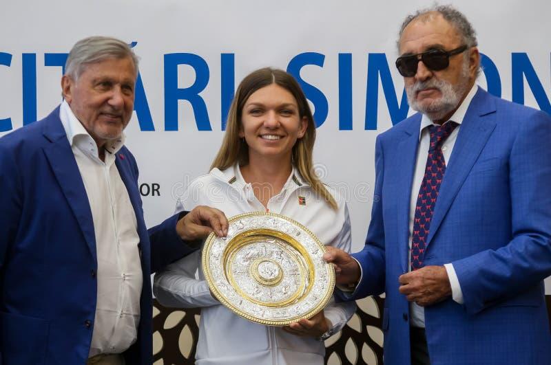 Wimbledon zwycięzca Simona Halep - przyjazd w Rumunia fotografia royalty free