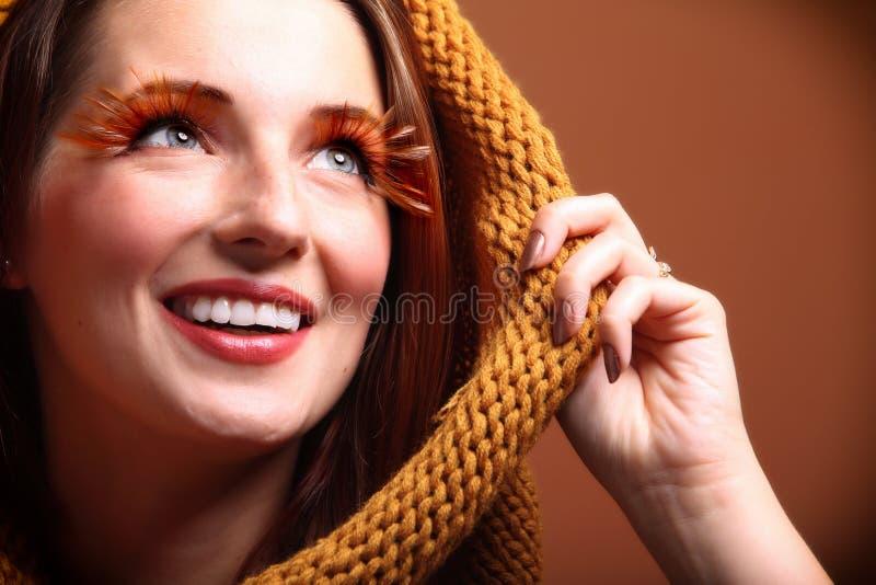 Download Wimpers Van De Het Meisjesglamour Van De De Herfstvrouw De Verse Stock Foto - Afbeelding bestaande uit meisjes, rood: 39116228