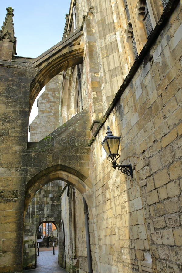 WINCHESTER, UK: Curles przejścia łuki katedra obraz royalty free