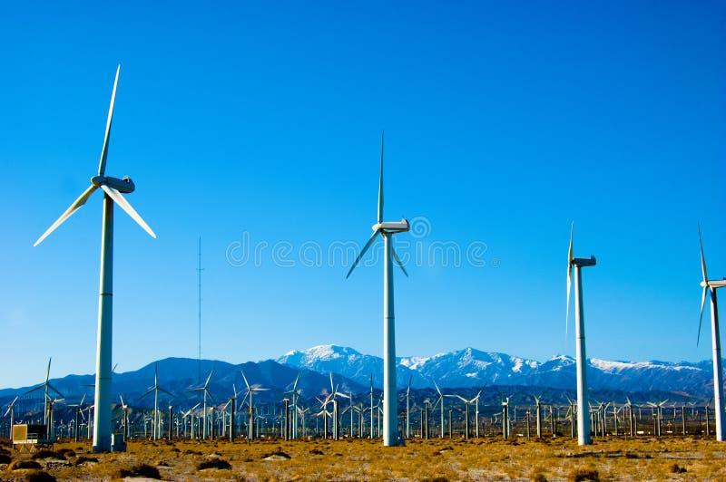 wind för 4 turbiner royaltyfria foton
