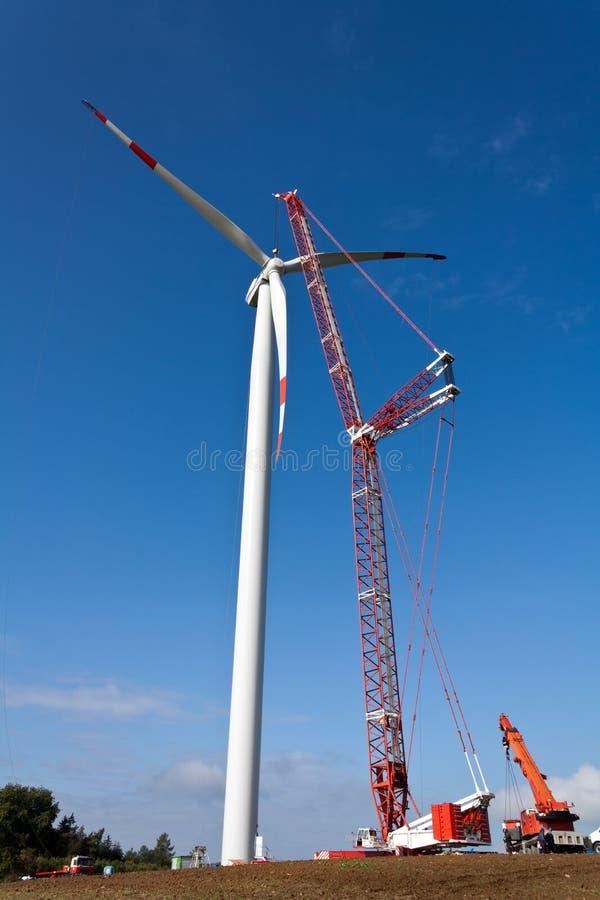 wind för strömstation arkivfoto