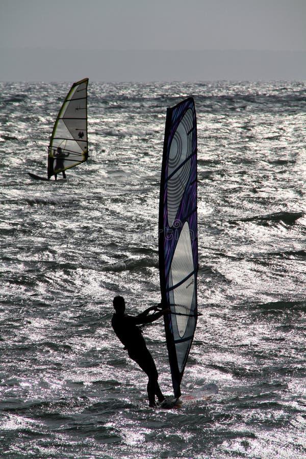 wind för surfarear två arkivfoto