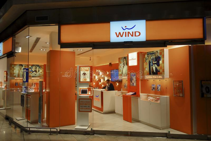 Wind Infostrada-Telekommunikationsgesellschaftsstand stockfoto