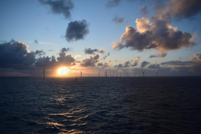 Wind-landbouwbedrijf Noordzee 2019 stock afbeeldingen