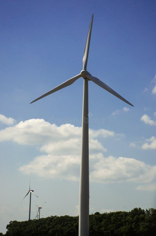 Wind tourbine lizenzfreie stockfotografie