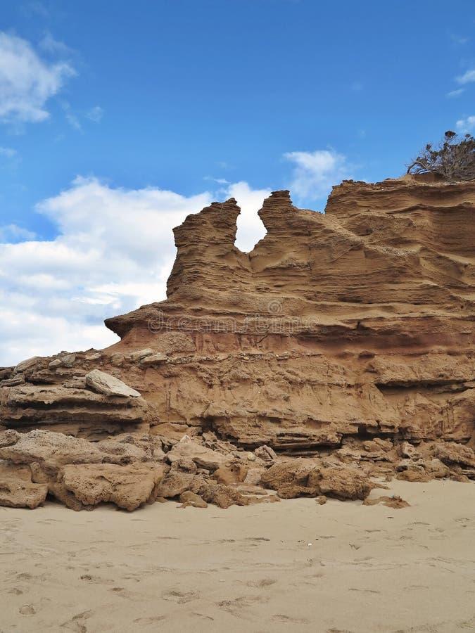 Wind und Meer fraßen Küste von Sardinien, Italien ab lizenzfreie stockfotos