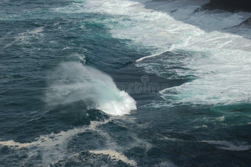 Wind und Wellen lizenzfreie stockbilder