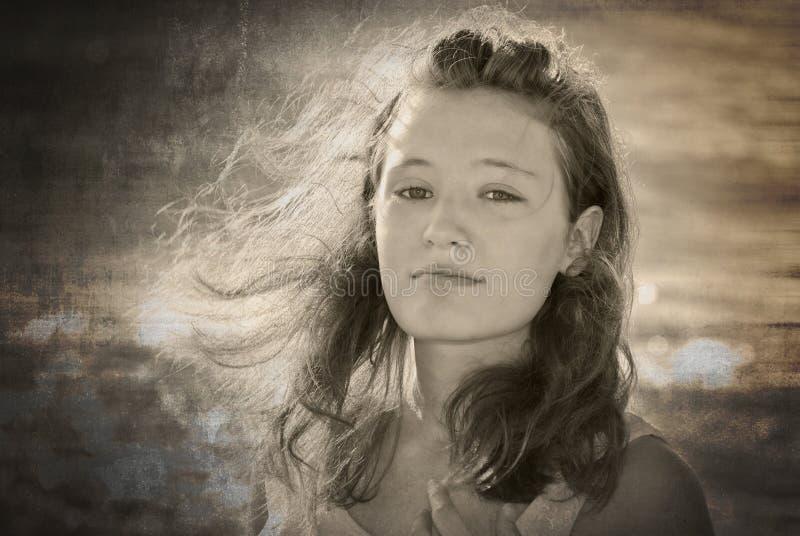 Windblown Haar lizenzfreies stockfoto
