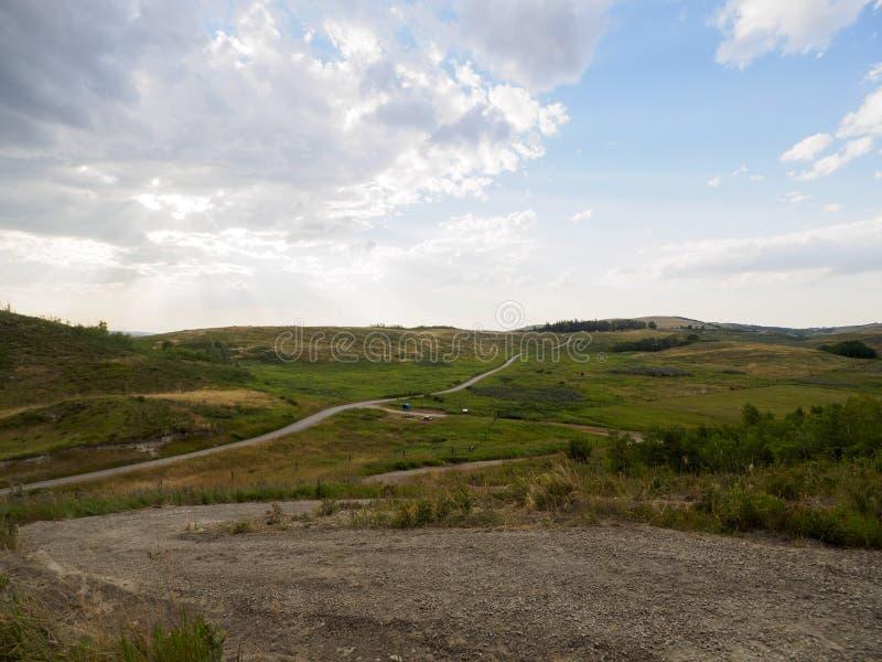 Windende Grintwegen rond de Boerderij stock fotografie