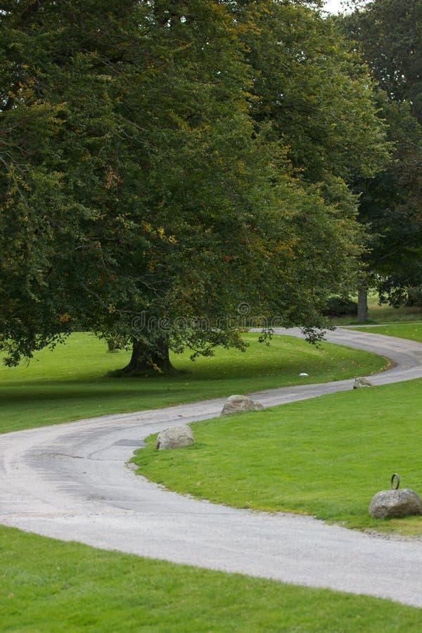 Windende Weg in Kasteel Fraser royalty-vrije stock foto