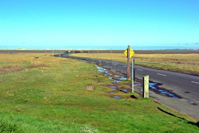 Download Windende Weg Op Verhoogde Weg Stock Afbeelding - Afbeelding bestaande uit houten, eiland: 54075585