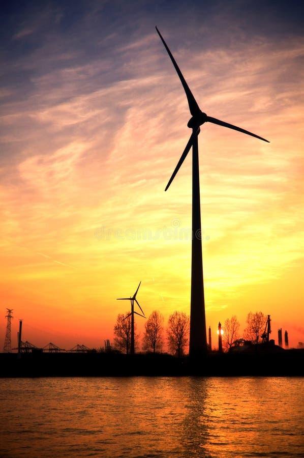 Windenergie lizenzfreie stockbilder