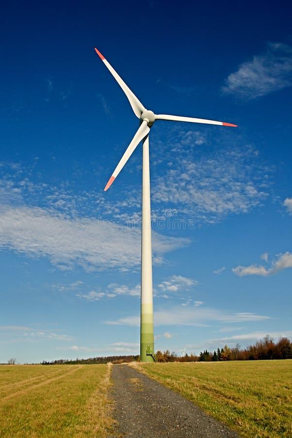 Windenergieinstallatie royalty-vrije stock fotografie