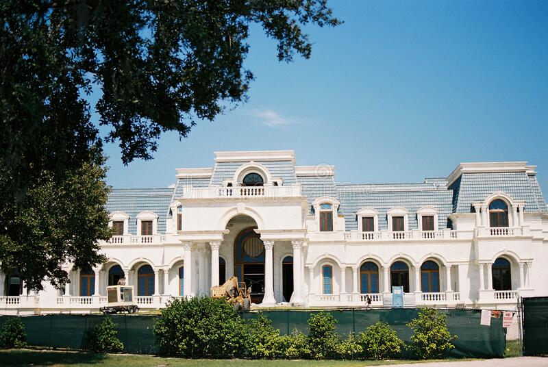WINDERMERE, FLORIDA - OCTOBER 1, 2016: Versailles mansion house of David and Jackie Siegel, the largest home in America, under. Construction in Orange County royalty free stock image