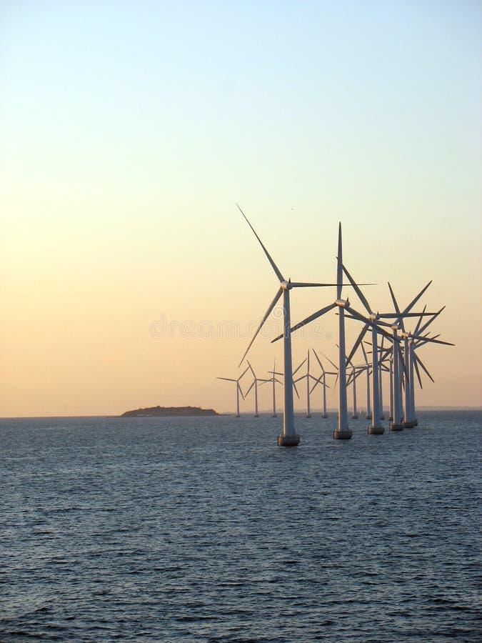 Windfarm in mare aperto 3 immagini stock libere da diritti