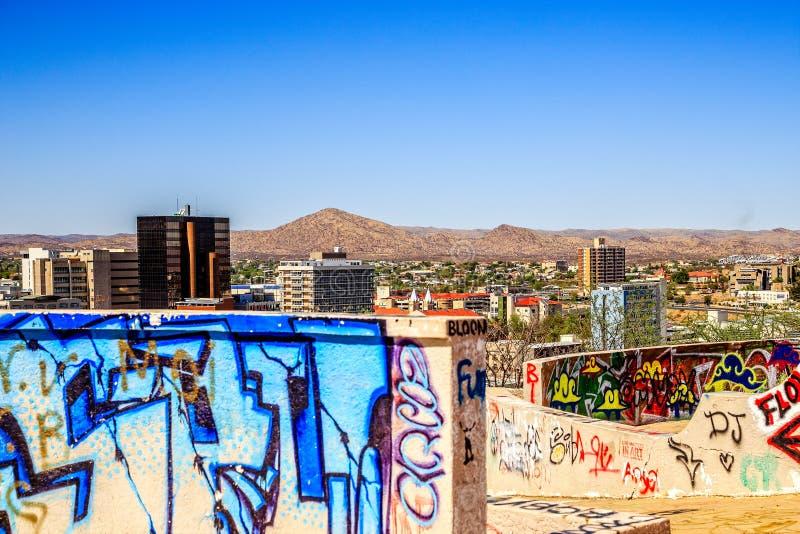 Windhoek w centrum centrum miasta z ścianami malował graffity w fotografia royalty free