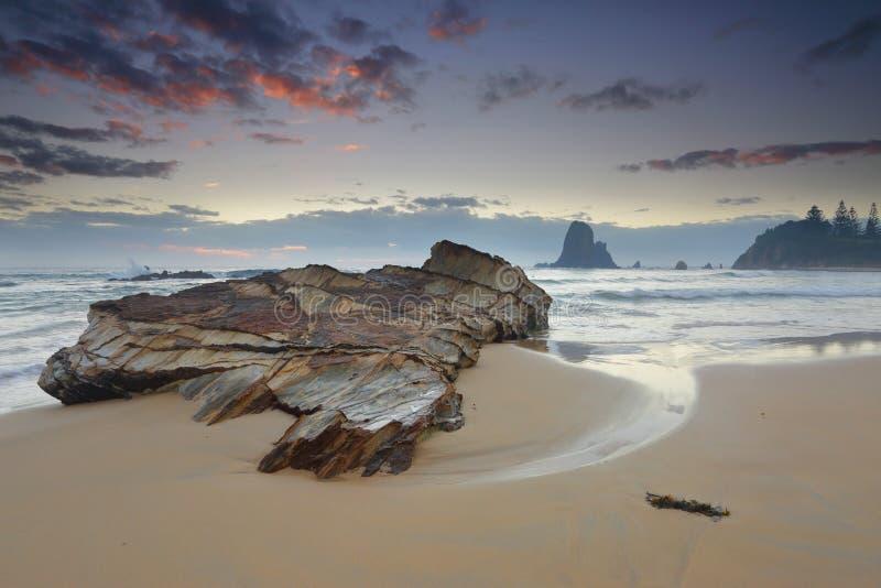 Windiger Morgen an Narooma-Küste lizenzfreie stockbilder