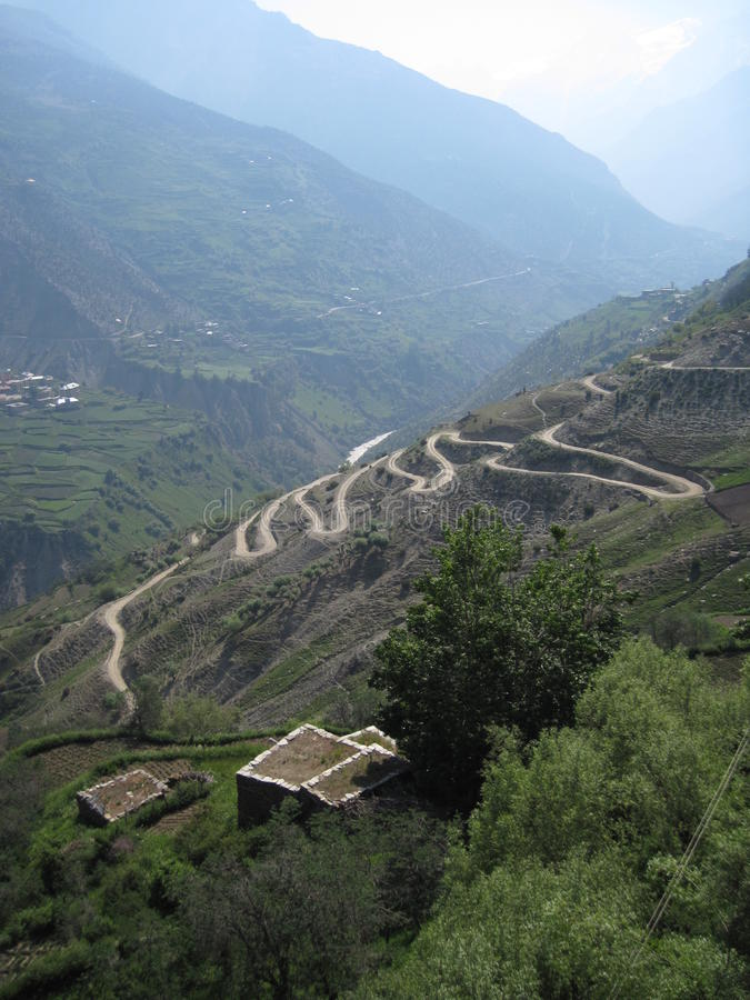 Free Winding Roads In The Himalayas Royalty Free Stock Images - 14386349