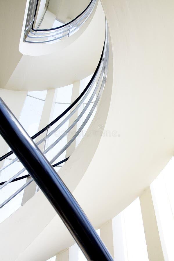 Windingstaircase de uma torre de vigia monumental da construção foto de stock